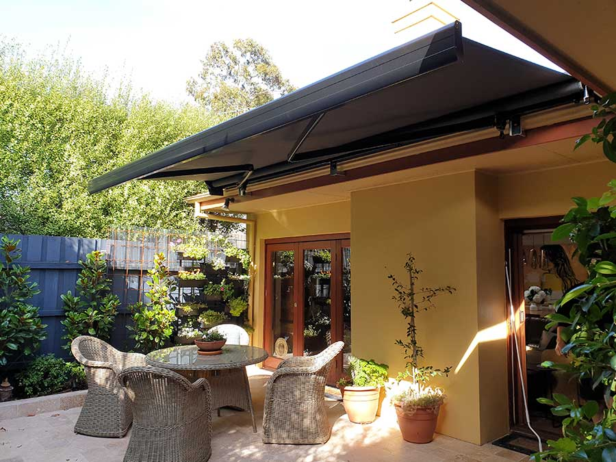 Australia Semi-Cassette Folding Arm Awning